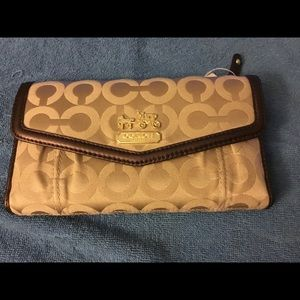 NWOT Coach Wallet with Removable Checkbook